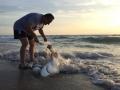Colombia ecoturismo rescata un tiburon en Miami