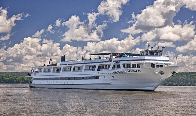 expedition and adventure cruise ship realismo magico